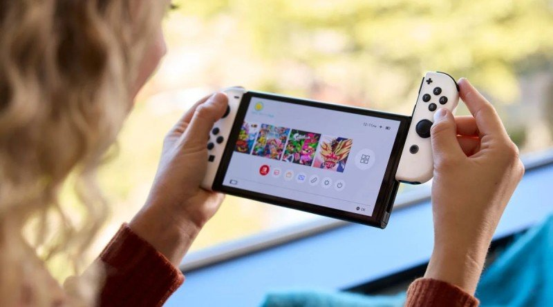 """Nintendo Switch OLED review: """"Clearly the best version, but complicated to recommend"""""""
